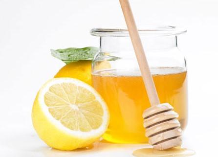 Cách làm trắng răng bằng mật ong