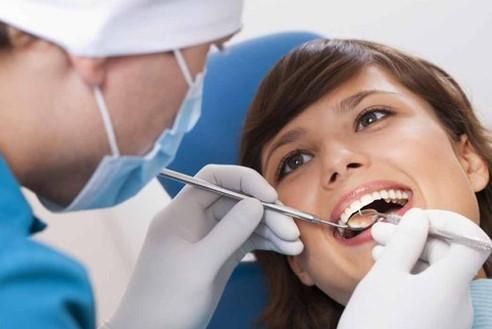 có nên nhổ răng khểnh, có nên nhổ răng khểnh không, nhổ răng khểnh, nhổ răng khểnh có ảnh hưởng gì không, nhổ răng khểnh có nguy hiểm không, nhổ răng khểnh có sao không, nhổ răng khểnh hết bao nhiêu tiền, tác hại nhổ răng khểnh