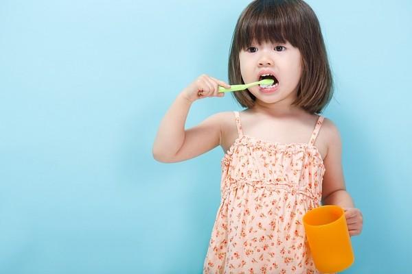 Review kem đánh răng Kodomo dành cho trẻ em,kem đánh răng kodomo,kem đánh răng kodomo của nhật,kem đánh răng kodomo thái lan,kem đánh răng kodomo trẻ em,kem đánh răng kodomo cho bé,kem đánh răng kodomo cho bé mấy tuổi,kem đánh răng kodomo có nuốt được không,kem đánh răng kodomo 45g,kem đánh răng kodomo lion,hạn sử dụng kem đánh răng kodomo