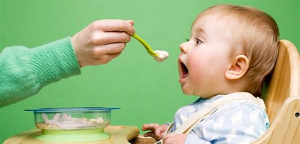nhiệt miệng ở trẻ dưới 1 tuổi, trẻ bị nhiệt miệng và sốt, trẻ sơ sinh 1 tháng tuổi bị nhiệt miệng, cách trị nhiệt miệng cho trẻ sơ sinh, hình ảnh nhiệt miệng ở trẻ