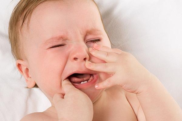 Nhiệt miệng ở trẻ dưới 1 tuổi nguyên nhân vì sao? Cập nhật cách điều trị an toàn cho bé
