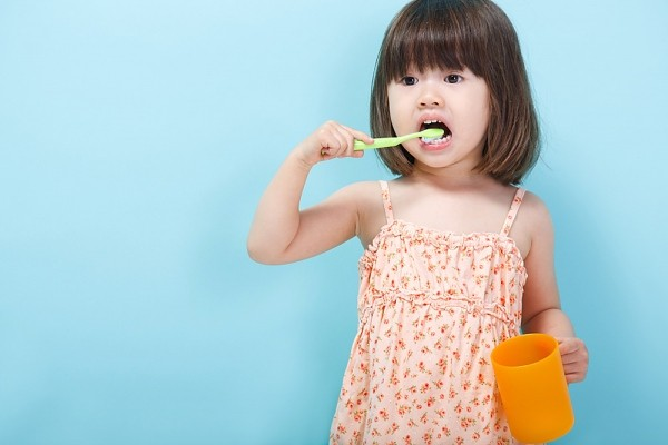 Review kem đánh răng Kodomo dành cho trẻ em, kem đánh răng kodomo, kem đánh răng kodomo của nhật, kem đánh răng kodomo thái lan, kem đánh răng kodomo trẻ em, kem đánh răng kodomo cho bé, kem đánh răng kodomo cho bé mấy tuổi, kem đánh răng kodomo có nuốt được không, kem đánh răng kodomo 45g, kem đánh răng kodomo lion,hạn sử dụng kem đánh răng kodomo