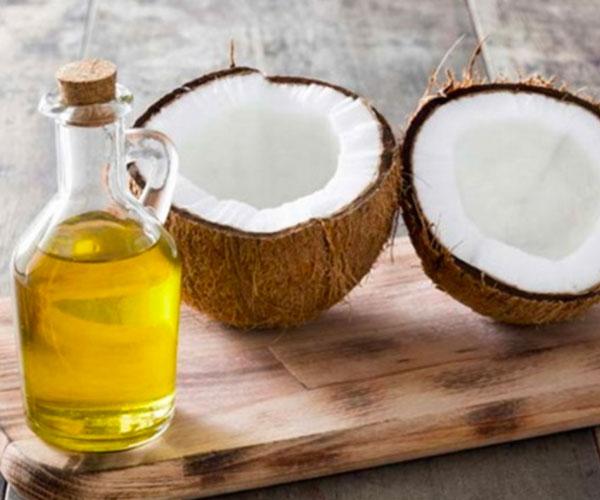 Tư vấn nha khoa | Mẹo tẩy trắng răng bằng dầu dừa hiệu quả ngay tại nhà